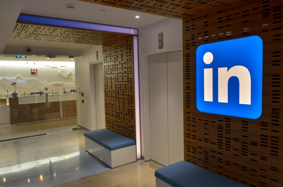 """Amazing LinkedIn """"Hack"""" to Grow your Network and get hired"""